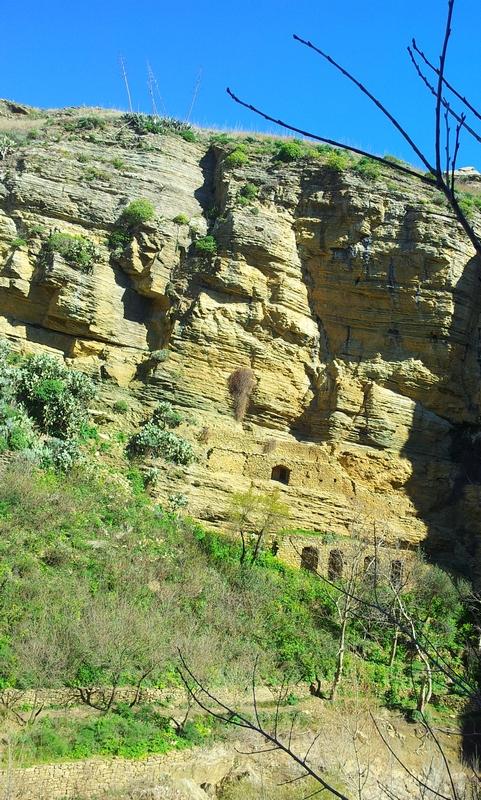 Antico-acquedotto-cascata-delle-due-rocche-Corleone.