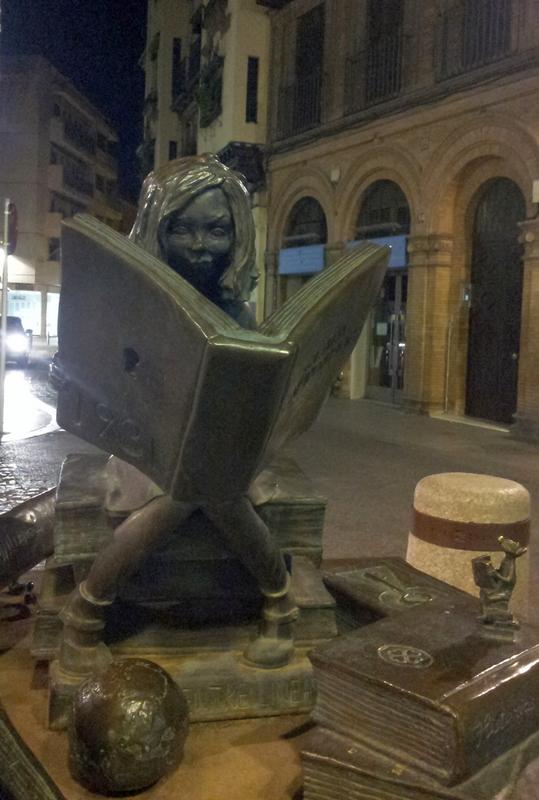 Monumento-commemorativo-a-Clara-Campoamor-